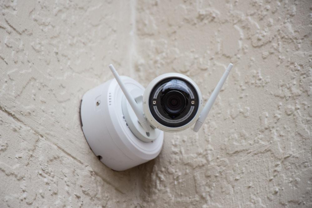 Slimme camerabeveiliging in retail branche – de voordelen