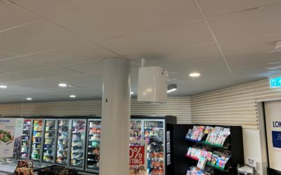 Betere beveiliging voor supermarkten dankzij nieuwe plafondbeugel voor mistmachine